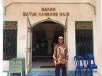 pengelola-makam-datuk-kandang-haji-h-sani_20180917_094012.jpg