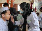 pengobatan-gratis-herbal-modern-duta-joss-hmdj-kepada-santri-ponpes-al-falah-banjarbaru.jpg