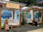 pengunjung-bisa-santai-di-kafe-2dara-ba-foodcourt-jorong-tanahlaut.jpg