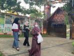pengunjung-di-kampung-senja-amanah-borneo-park.jpg