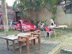 pengunjung-di-kopi-mbaroh-jalan-sukamara-ujung-banjarbaru-kalsel-minggu-2672020.jpg