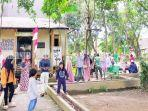 pengunjung-di-objek-wisata-candi-agungkabupaten-hsu-kalsel-minggu-03102021.jpg