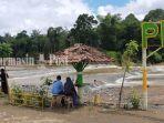 pengunjung-pulau-mas-desa-baru-waki-kecamatan-batubenawa-kabupaten-hst-minggu-16052021.jpg
