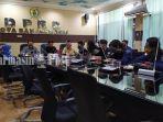pengurus-yayasan-al-ajyb-dengan-anggota-dprd-kota-banjarmasin-6102020.jpg