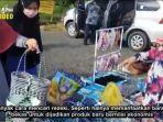 penjual-anyaman-tali-plastik-bakul-dan-tas-wanita-di-kawasan-kantor-sekretariat-daerah-kalsel.jpg