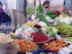 penjual-cabai-sayuran-dan-lainnya-di-pasar-kota-palangkaraya-kalteng-2704202127042021.jpg
