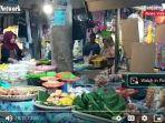 penjual-kue-tradisional-di-pasar-induk-amuntai-kabupaten-hsu-sabtu-21082021.jpg