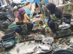 penjualan-anakan-ikan-di-pasar-keramat.jpg