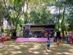 pentas-seni-di-area-objek-wisata-candi-agung-di-kabupaten-hsu-provinsi-kalsel-07122020.jpg