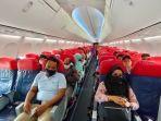 penumpang-di-pesawat-lion-air-123456789.jpg