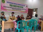penyaluran-blt-dd-di-desa-binderang-kecamatan-lokpaikat-kabupaten-tapin-30032021.jpg