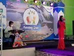 penyanyi-dari-tiaranada-sound-system-saranghalang-tampil-pada-acara-live-music-virtual.jpg