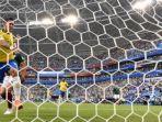 penyerang-timnas-brasil-roberto-firmino-saat-mencetak-gol-ke-gawang-meksiko_20180717_073517.jpg