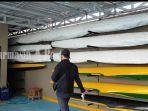 perahu-milik-podsi-kota-banjarmasin-pinggir-sungai-awang-sabtu-3102020.jpg