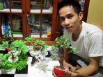 perajin-miniatur-bonsai-apriadi-24-istimewa-dari-apriadi-untuk-bpost.jpg