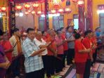 perayaan-imlek-di-klenteng-po-an-kiong-banjarmasin-2_20180216_100631.jpg