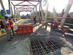 perbaikan-jembatan-paringin-kabupaten-balangan-berdampak-pada-pengalihan-pipa-pdam.jpg