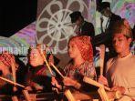 pergelaran-musik-badundang-maalun-banua-di-taman-budaya-kalsel-banjarmasin.jpg