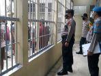personel-polres-tabalong-periksa-rutan-dan-tahanan-untuk-cegah-barang-terlarang-11072021.jpg