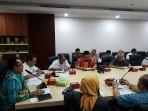 pertemuan-antara-pemkab-daerah-kabupaten-kotabaru_20180813_214036.jpg