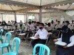 peserta-cpns-saat-di-rung-tunggu-bkd-kabupaten-tanbu-senin-20092021.jpg