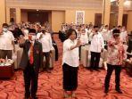 peserta-dialog-beri-simbol-tolak-radikalisme-palangkaraya-21102020.jpg