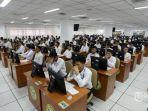 peserta-mengikuti-seleksi-kompetensi-dasar-skd-calon-pegawai-negeri-sipil.jpg