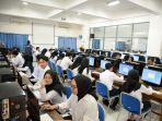 peserta-mengikuti-seleksi-kompetensi-dasar-skd-calon-pegawai-negeri-sipil12.jpg