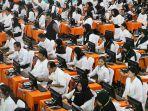 peserta-mengikuti-ujian-calon-pegawai-negeri-sipil-cpns-pemkot-surabaya.jpg