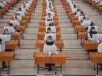 peserta-mengikuti-ujian-seleksi-kompetensi-bidang-skb-cpns-di-surabaya.jpg