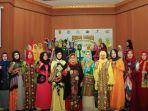 pesona-busana-muslim-sasirangan-bordir-khas-kota-banjarbaru_20180813_114453.jpg