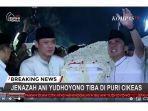 peti-jenazah-ani-yudhoyono-saat-dibawa-masuk-ke-rumah-duka.jpg