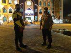 petugas-kepolisian-polresta-palangkaraya-saat-mengamankan-kegiatan-ibadah-1122.jpg