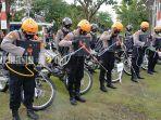 petugas-penanganan-karhutla-palangkaraya-dengan-peralatan-28032021.jpg
