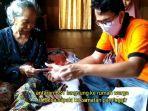 petugas-pt-pos-indonesia-salurkan-bst-kepada-warga-paminggir-kabupaten-hsu-kalsel.jpg