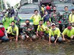 pihak-mtsn-1-kapuas-salurkan-bantuan-kepada-warga-terdampak-banjir-di-kalsel-25012021.jpg