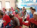 pihak-terkait-di-kecamatan-astambul-duduk-semeja-membahas-persiapan-pemilihan.jpg