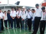 presiden-direktur-airasia-indonesia-sunu-widyatmoko-dan-karyawan-airasia.jpg