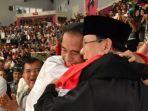 presiden-joko-widodo-dan-ketua-umum-pb-ipsi-prabowo-subianto_20180830_004217.jpg