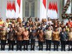 presiden-joko-widodo-didampingi-wapres-maruf-amin-berfoto-bersama-menterinya.jpg