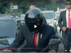 presiden-joko-widodo-naik-sepeda-motor_20180818_212521.jpg