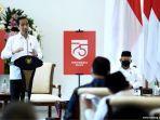 presiden-jokowi-di-samping-lambang-atau-logo-hut-ri-ke-75.jpg