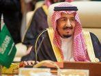 raja-arab-saudi-salman-bin-abdulaziz-saat-menghadiri-pertemuan.jpg