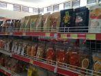 rak-etalase-untuk-produk-makanan-dan-minuman-ikm-lokal.jpg