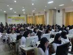 ratusan-peserta-mengikuti-hari-pertama-tes-cpns-di-hsu.jpg