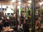 razia-di-sebuah-kafe-kecamatan-murung-pudak-kabupaten-tabalong-kalsel-jumat-07052021.jpg
