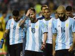 reaksi-lionel-messi-tengah-dan-rekan-rekannya-di-timnas-argentina_20180320_053130.jpg