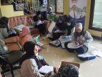 relawan-sdgs-di-kantor-pemerintah-desa-awang-bangkal-barat-kabupaten-banjar-14062021.jpg