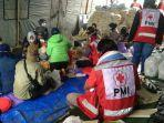 relawan-siapkan-makanan-korban-banjir-di-mandastana-batola.jpg