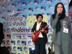 salah-satu-peserta-lomba-bintang-radio-indonesia-kalsel_20180908_192327.jpg